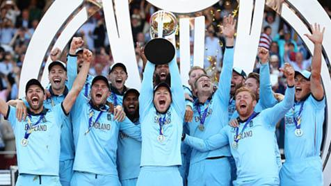 england celebrating world cup win